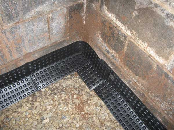 Mira-drain panel to trap water from cinderblocks