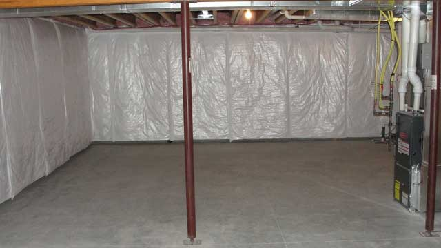 Vapor barrier on walls